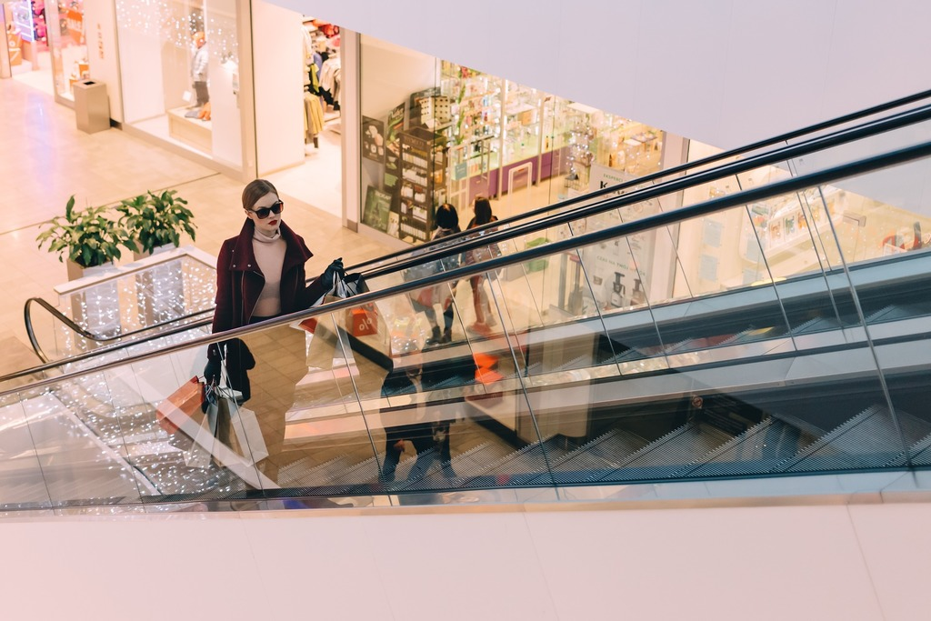Shopify ebay channel shopper on escalator